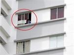Những vụ tai nạn thương tâm khi trẻ ở nhà cao tầng một mình