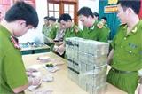 Thái Nguyên bắt hai đối tượng vận chuyển 100 bánh heroin