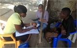 Bệnh nhân Anh đầu tiên nhiễm Ebola được điều trị bằng thuốc Zmapp