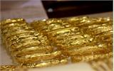 Giá vàng trong nước và thế giới ngược chiều