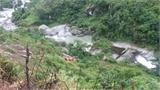 """Tai nạn thảm khốc làm 12 người chết: Xe khách chạy """"chui"""" lên Sa Pa"""