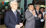 Tổng Bí thư dâng hương tưởng nhớ Chủ tịch Hồ Chí Minh