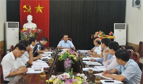 Bí thư Tỉnh ủy Trần Sỹ Thanh làm việc với huyện Lạng Giang về công tác chuẩn bị đại hội Đảng các cấp