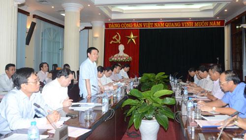 Trưởng Ban Kinh tế T.Ư Vương Đình Huệ làm việc tại Bắc Giang