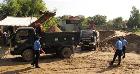 Ngăn chặn xe quá tải:  Chủ bến bãi, điểm mỏ kêu khó