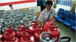 Giá gas tăng 4.000 đồng/bình 12kg