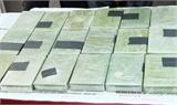 Bắt vụ vận chuyển 161 bánh heroin cùng súng, lựu đạn