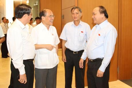Quốc hội thảo luận về tình hình KT-XH