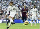 """Real ngạo nghễ vượt qua Barcelona ở trận """"siêu kinh điển"""""""
