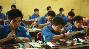 'Có cần thiết rải đều trung tâm dạy nghề ở các tỉnh hay không'?