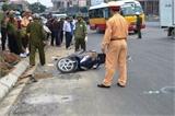 Nghệ An: Thiếu nữ bị xe bồn cán chết, QL1A tắc nghẽn 5km