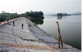 Sát hồ thủy lợi  vẫn thiếu nước sản xuất