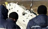 Hà Lan chuyển mảnh vỡ máy bay MH17 về nước điều tra