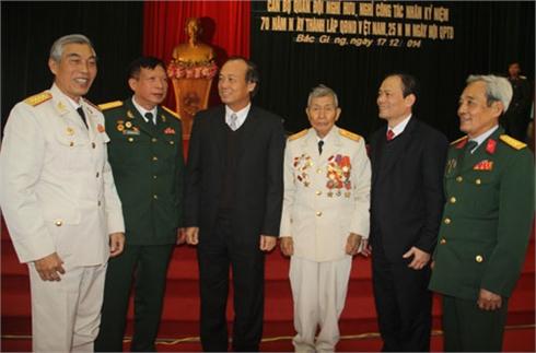 Bộ CHQS tỉnh Bắc Giang: Gặp mặt sĩ quan cao cấp đã nghỉ hưu