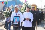 Làng quê ven biển Thái Bình tiễn đưa 6 nạn nhân vụ chìm thuyền