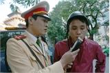 Hà Nội: Cảnh sát giao thông lập chốt gần quán nhậu kiểm tra người lái xe