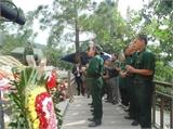 Quảng Bình: Hàng ngàn người đổ về viếng Đại tướng trong mưa dịp kỷ niệm 22-12
