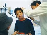 Điều trị bệnh viêm tai giữa ở trẻ nhỏ