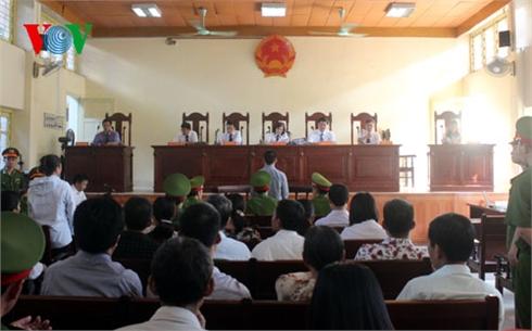 """Vụ án oan Nguyễn Thanh Chấn: Thay chủ tọa xét xử """"sát thủ"""""""