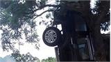Ba người chết tại chỗ sau cú tông với ôtô ngược chiều