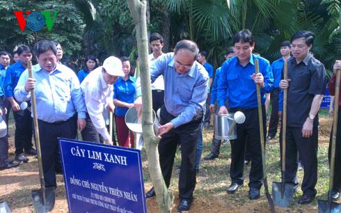 Khởi động tháng Thanh niên và Tết trồng cây năm 2015