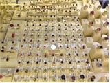Giá vàng SJC giảm, cao hơn thế giới 4,3 triệu đồng/lượng