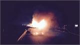 Xe tải bốc cháy dữ dội trên cao tốc Pháp Vân