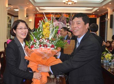 Ban Thường vụ Tỉnh ủy Bắc Giang gặp mặt cán bộ lãnh đạo nữ nhân ngày mùng 8-3