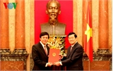 Chủ tịch nước trao quyết định phong hàm Đại sứ