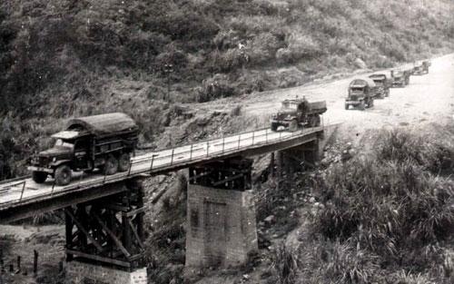 Đường Trường Sơn - tuyến vận tải huyền thoại trong cuộc kháng chiến chống Mỹ cứu nước. Ảnh tư liệu