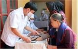 Khám, tư vấn sức khỏe miễn phí cho nhân dân