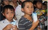 Tập đoàn TH tặng hơn 37 nghìn thùng sữa tươi cho học sinh Bắc Giang