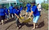 Sinh viên Hà Nội tình nguyện tại xã Lam Cốt