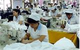 60 suất quà tặng công nhân công ty cổ phần May Hà Phong có hoàn cảnh khó khăn