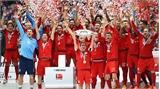 Bayern Munich mừng chức vô địch bằng trận thắng
