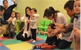 Trẻ em Hong Kong miệt mài luyện thi vào trường mầm non