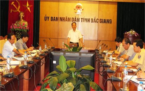 Bắc Giang: Kiên quyết xử lý đối tượng tiếp tay cho xe quá tải