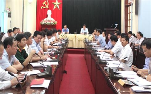 Tập trung tiêu thụ vải thiều và tổ chức tốt đại hội đảng bộ cấp huyện