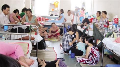 Bắc Giang: Mỗi ngày gần 300 trẻ em nhập viện do nắng nóng