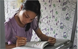 Nữ sinh cầm 150.000 lên Hà Nội, ngày đi thi, tối rửa bát thuê