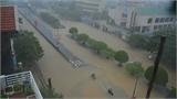 Quảng Ninh: Ba ngôi nhà đổ sập trong mưa lũ, nhiều người bị vùi lấp