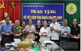 Hội cựu Thanh niên xung phong tỉnh Bắc Giang: Trao sổ tiết kiệm tình nghĩa cho hội viên khó khăn