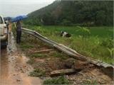 Lật xe khách trên cao tốc Nội Bài - Lào Cai, 9 người bị thương