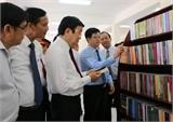 Chủ tịch nước Trương Tấn Sang dâng hương tại Khu lưu niệm Luật sư Nguyễn Hữu Thọ