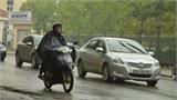 Những cách đi xe máy, ôtô an toàn dưới trời mưa bão