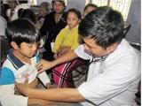 Khám, chữa bệnh kịp thời cho người dân vùng lũ ở Bắc Giang