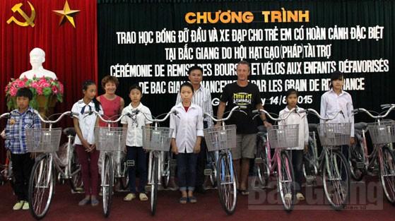 Hội Hạt gạo Pháp, hỗ trợ, trẻ em nghèo