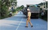 Yên Dũng: Người dân chặn xe chở đất vì gây ô nhiễm môi trường