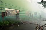 Hàng trăm lính cứu hỏa chữa cháy tại KCN Vĩnh Lộc, TP Hồ Chí Minh