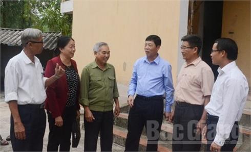 Bí thư Tỉnh ủy Bắc Giang Bùi Văn Hải tiếp xúc cử tri xã Hợp Thịnh